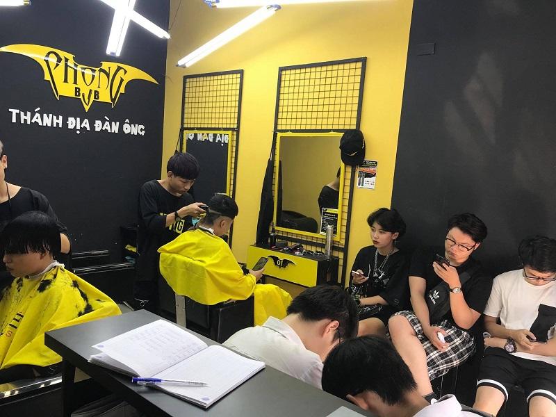 Tìm hiểu cách đặt lịch cắt tóc tại Phong BvB không phải chờ đợi